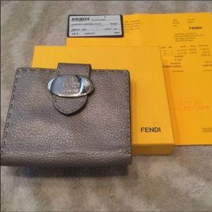 💯 Authentic Fendi Wallet